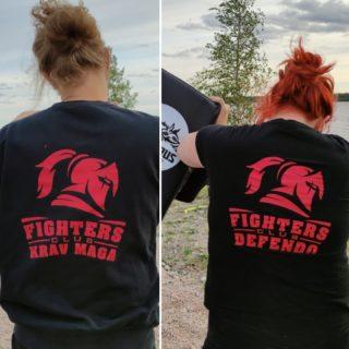 🇫🇮 Tiistaina oli taas vuorossa kolmet ulkotreenit Kemissä 💪  ✅ Junnukaraten Peruskurssille ilmoittautuminen käynnissä, ja hyvä hetki myös tulla aikuisten ryhmiin: Kyokushin Karate, Defendo, Krav Maga, Kickboxing. Tsekkaa ➡️ www.fightersclub.fi ⬅️  🇬🇧 On Tuesday again outdoor training in Kemi...KarateKids, adults Kyokushin, and self defense (Krav Maga &Defendo) #tulemukaan #parhaassaseurassa #peruskurssi #fightersclubfinland #saarioacademy #kemi #keminmaa #tornio